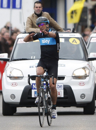 Sky team rider Juan Antonio Flecha of Spain celebrates as he wins the 65th Omloop Het Nieuwsblad cycling race in Ghent, February 27, 2010. REUTERS/Thierry Roge (BELGIUM - Tags: SPORT CYCLING)